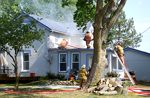 Firemen save house south of Valley Falls