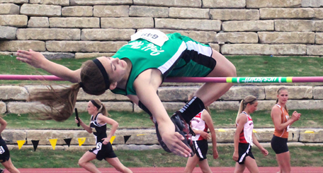 JCN's Heather Polson earns 1st place in the state 2A high jump.